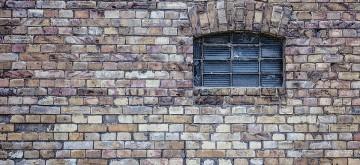 window-484596_960_720